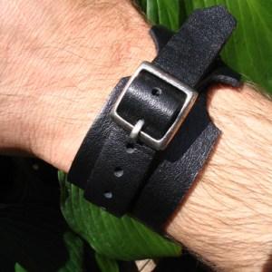 Armbanden uit leer
