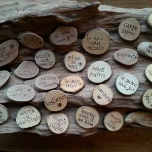 Krachtsteen, Spreuk hout