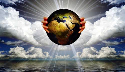 Spiritualität ohne Religion frei von Dogmen Gott hält die Erde in seinen Händen spirituelle Gemeinschaft