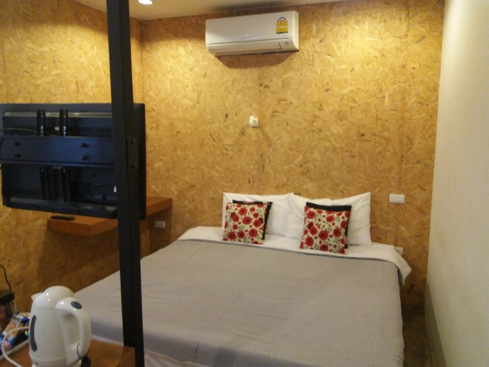 Mbed hostal in Phuket, comfortable rooms for onward travel to the islands in Thailand!