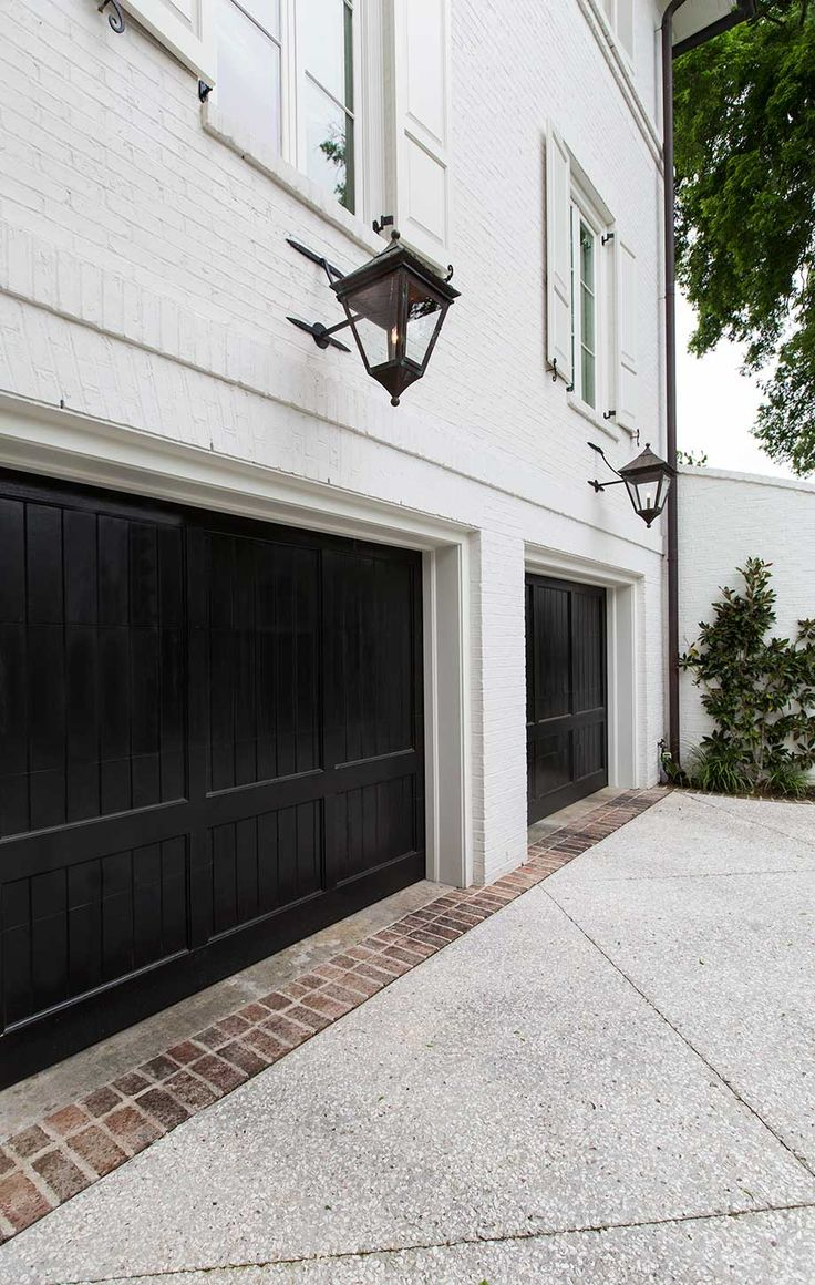 black trim is the perfect decorating accent on Garage Door Colors  id=23383
