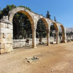 The ruins of Anjar reveal a very regular layout, reminiscent of the palace-cities of ancient times, and are a unique testimony to city planning under the Umayyads