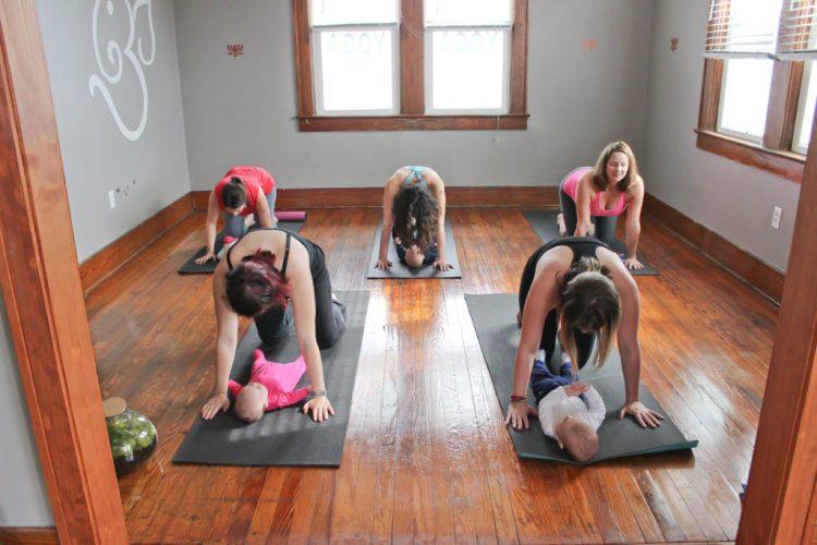 Baby Yoga: Yoga Poses You Can Do With Your Baby | Cat-Cow Pose | SpoiledYogi.com