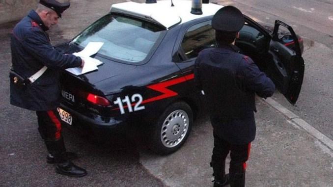 Ruba portafogli da auto in sosta, Carabinieri arrestano ladro in bicicletta