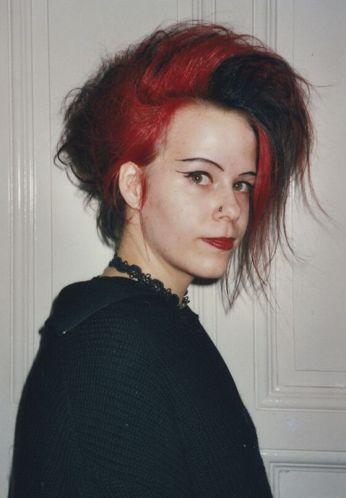 Caro im Jahr 2000, der Millenium-Style steht ihr gut - Gothic Berlin Bild #47