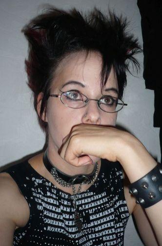Ob ich das so lassen kann? 2009 ist Caro ein wenig nachdenklicher geworden - Gothic Berlin Bild #52