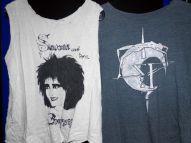 Shirts bleiben natürlich auch nicht verschont und werden aufwändig bemalt. Siouxsie & The Banshees würden sich geehrt fühlen - Gothic Berlin Bild #6