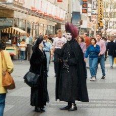 Bjoern - Aliens in der Koelner Innenstadt