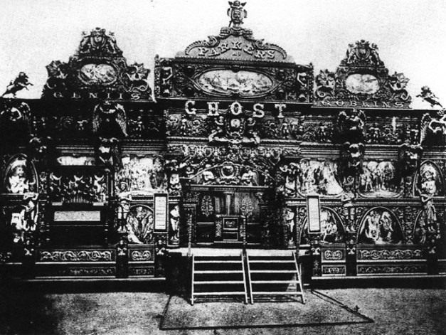 parkers-ghost-illusion-show-circa-1904-via-john-anton