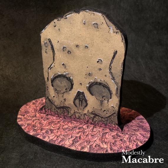 Skull Tombstone
