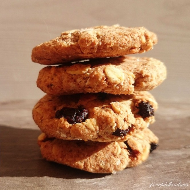 Crumbly Oatmeal Raisin Cookies.