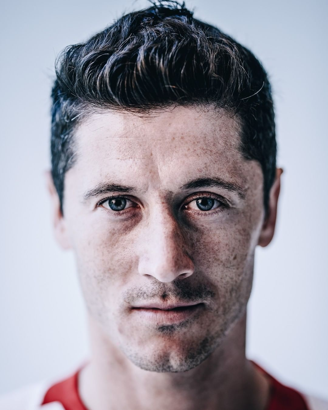 Robert Lewandowski = 500 goals for club and country  Best finisher in football ...
