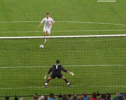 Unforgettable  moments! Your favourite?  1& Jerzy Dudek, 2005 2& Didier Drogba, ...