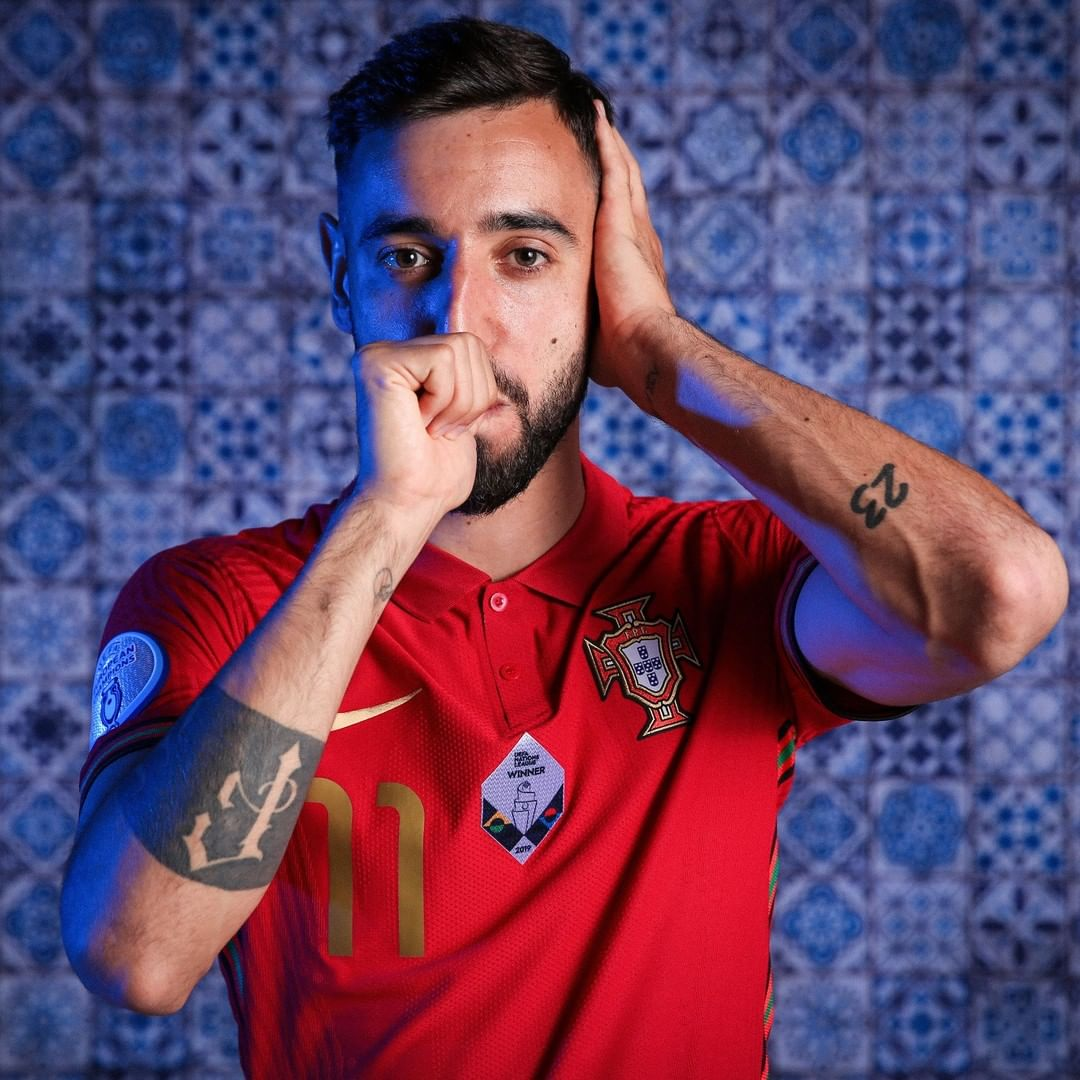 Name a more clinical midfielder than Bruno Fernandes   ...