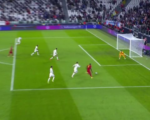 Lukaku latches on to De Bruyne's through ball to finish off a well-crafted Belg...