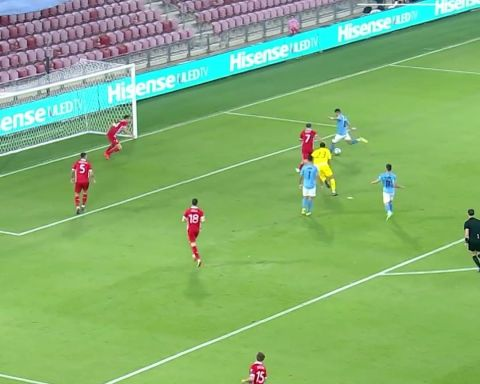 Rate this team goal from 1-10!  Munas Dabbur finishing the move   ...