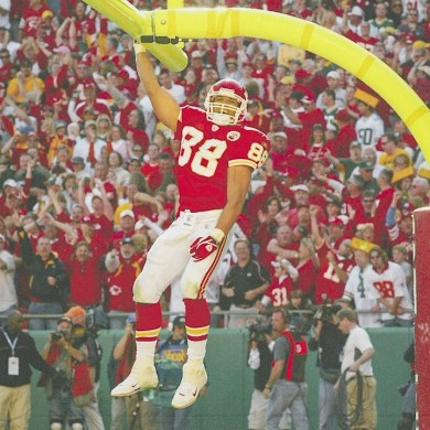 We could watch these highlights all day  Enjoy your birthday, Tony G! (...