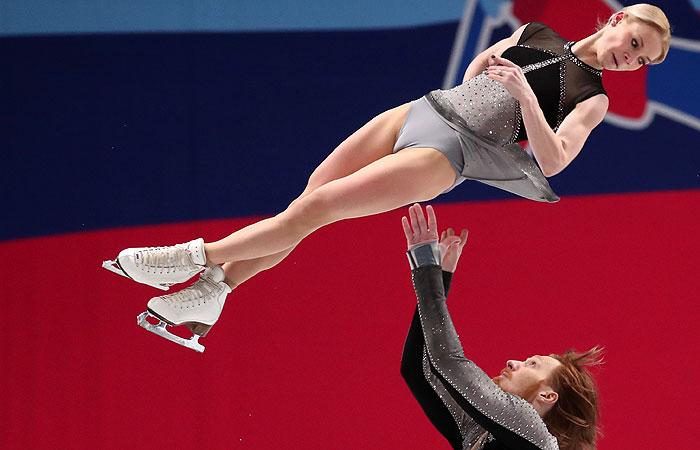 Фигуристы Тарасова и Морозов стали трехкратными чемпионами России
