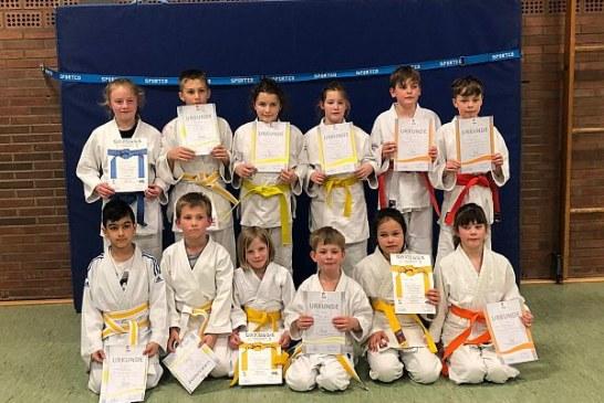 TuS-Judoka werden für Trainingsfleiß belohnt – Erfolgreiche Gürtelprüfung sorgt für Freude