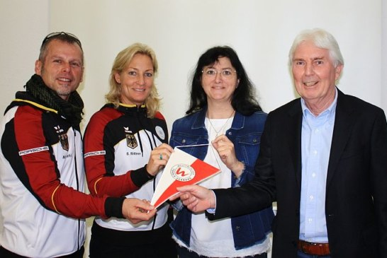 Barbara Rittner und Robert Hampe bei Kamens Bürgermeisterin Elke Kappen