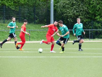 Fußball-Kreisliga A2: Kopf-an-Kopf-Rennen zwischen SG Massen und TSC Kamen geht weiter