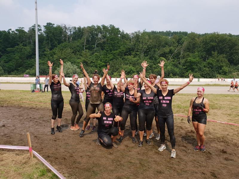 HSC-Schlammengel vor unglaublichem Tag im Schlamm – Muddy Angel Run in Duisburg