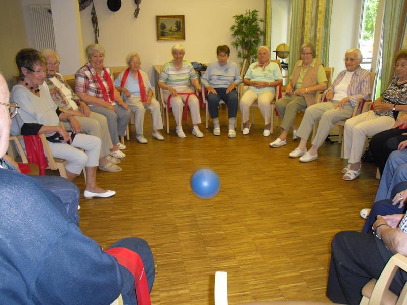 """""""Rund um den Stuhl"""" mit dem HSC-Gesundheitssport in Unna ..."""