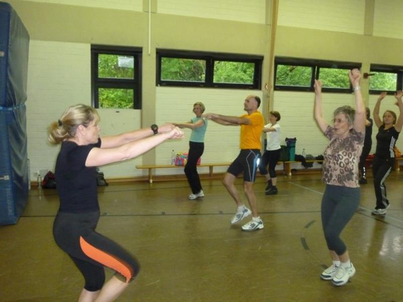 Training an Kraftgeräten für Einsteiger beim HSC-Gesundheitssport