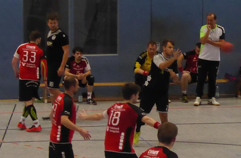 Handball-Bezirksliga: VfL und TuRa II kommen mit späten Toren zu knappen Erfolgen