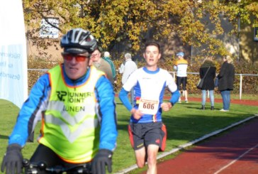 Radsportler Jan Tschernoster ist auch ein guter Läufer – Bergkamener gewinnt die 35. Barbara-Runde des SuS Obraden