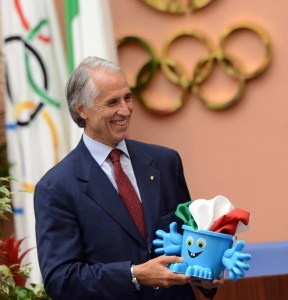 """Il presidente del CONI Malagò in occasione della presentazione di """"Agosto azzurro"""""""