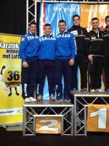 La squadra kata karate argento nella Premier League: da sin. Busato, Iodice, Tocco