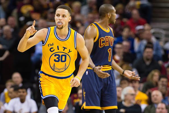 NBA: Curry e Warriors vincono anche nel merchandising