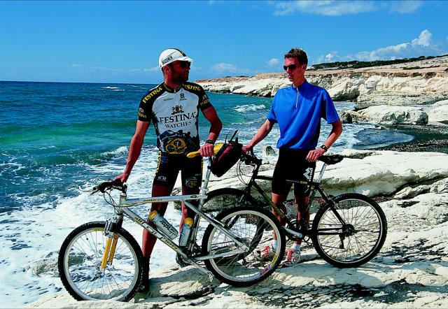 Cipro paradiso della bicicletta e dello sport