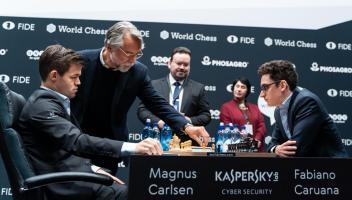 Mondiale di Scacchi game 9: Carlsen e Caruana non si fanno male