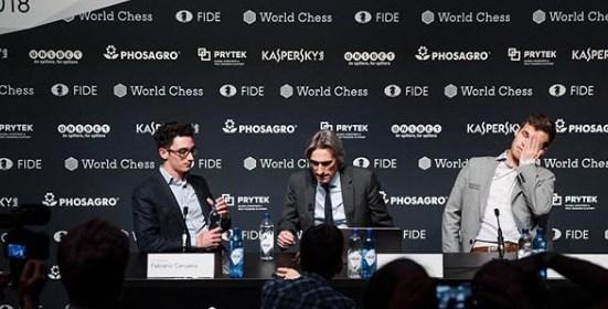 Mondiale di Scacchi: tra Caruana e Carlsen vince la paura di perdere