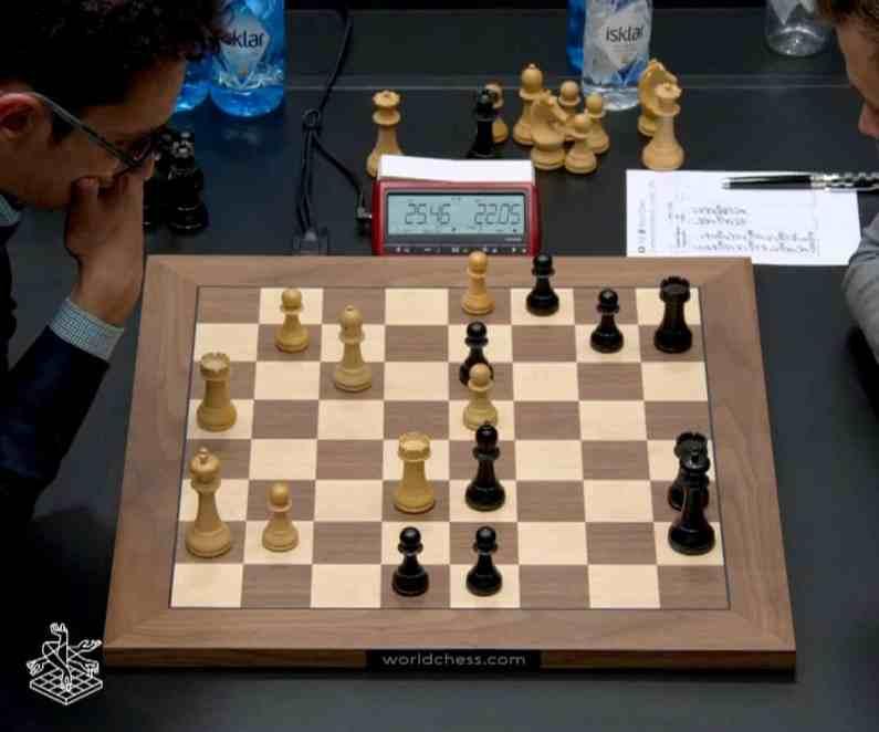 Mondiali Scacchi, partita 8: Caruana spreca e regala la patta