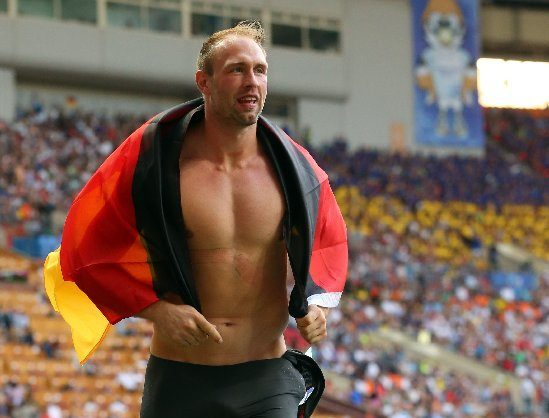 Diskus-Champion Robert Harting bei der Weltmeisterschaft 2013 in Moskau - Photo by Getty Images-Getty Images for SEIKO