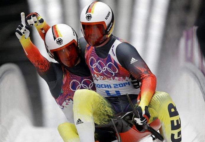Sotchi 2014: Rennschlitten - Die Olympiasieger im Doppelsitzer Tobias Arlt und Tobias Wendl - Foto: Sochi 2014 Olympic Winter Games