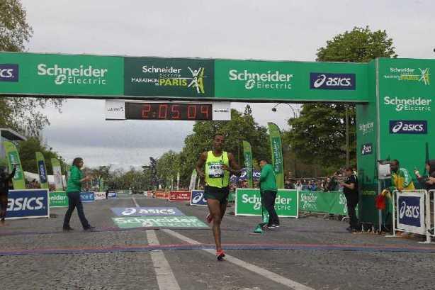 Paris-Marathon 2014: Sieger Kenenisa Bekele aus Äthiopien - Foto: ASO / M.MAINDRU