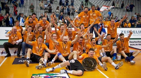 Volleyball-Finale: Berliner Meisterjubel - Die BR Volleys feierten in Friedrichshafen den dritten Titel - Foto: Guenter Kram/VfB Friedrichshafen