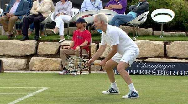 """John McEnroe - CNN International """"Open Court"""": Novak Djokovic und die neuen Champions von Wimbledon - Foto: CNN International"""