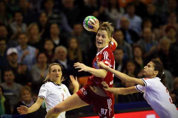 Handball EM 2014: Match zwischen Ungarn und Russland - Zsuzsanna Tomori (HUN) - Foto: Uros Hocevar / EHF Media