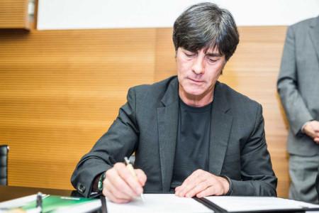 Fussball EM 2016: Joachim Löw bei Vertragsverlängerung bis 2018 - Foto: Getty Images