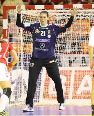 Handball Ungarn: Győri Audi ETO KC - Eva Kiss - Foto: Anikó Kovács und Tamás Csonka (Győri Audi ETO KC)