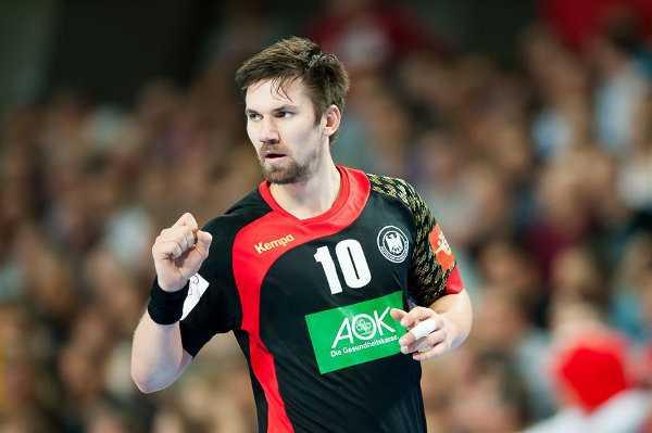 Fabian Wiede im Dänemark-Match - Handball EM 2016: Deutschland mit Siegermentalität zum EM-Titel? - Foto: ZPRP / EHF