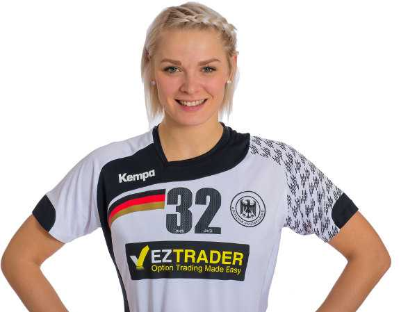 Shenia Minevskaja im Trikot der deutschen Nationalmannschaft - Foto: Sascha Klahn/DHB