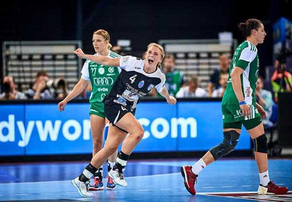 Handball EHF Champions League Final4: CSM Bukarest sensationeller Thriller-Champion gegen Győri Audi ETO KC - WOMEN`S Handball EHF Champions League 2015/16 - Women's FINAL4 Gold medal match – Isabelle Gullden - Foto: EHF Media