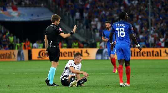 Nicola Rizzoli (Italien) – Fussball EM 2016: UEFA EURO Halbfinalspiel zwischen Deutschland und Frankreich im Stade Velodrome am 7. Juli 2016 in Marseille, Frankreich. Foto: Lars Baron / Getty Images