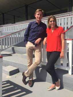 "Winning Post-Moderatorin Aly Vance und Gerhard Schoeningh - CNN Winning Post: Rennbahn Berlin-Hoppegarten - Foto: CNN International ""Winning Post"""